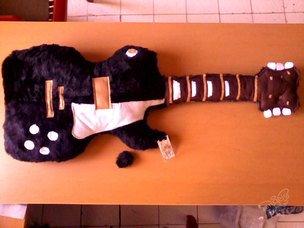 guitarra de peluche - angelsproject
