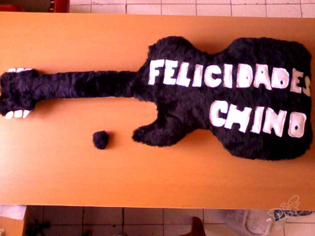 guitarra de peluche original - angelsproject